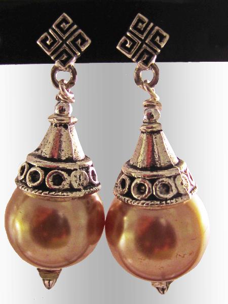 Glass-pearl-earrings