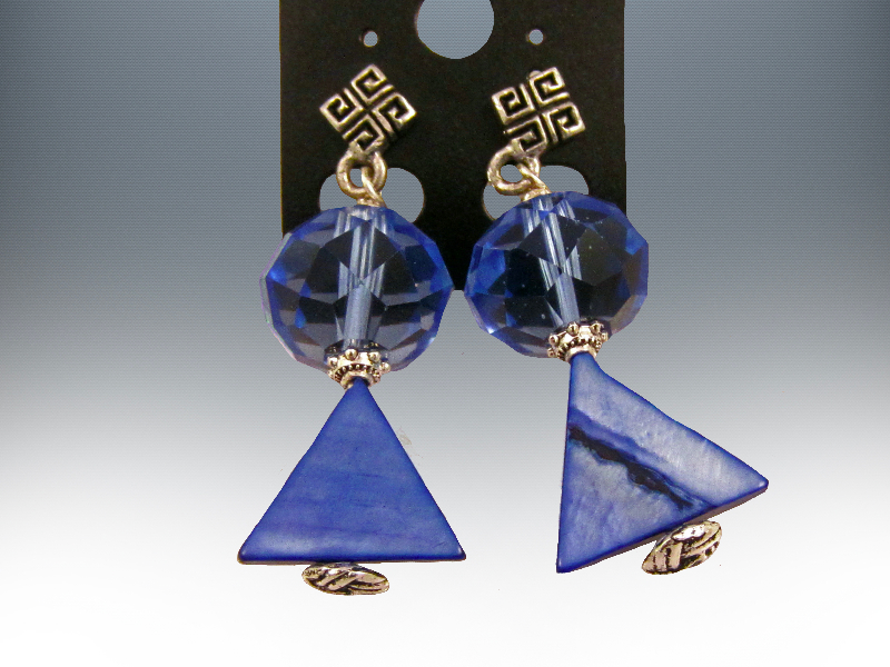 Triangle-bead-mop-glass-crystals