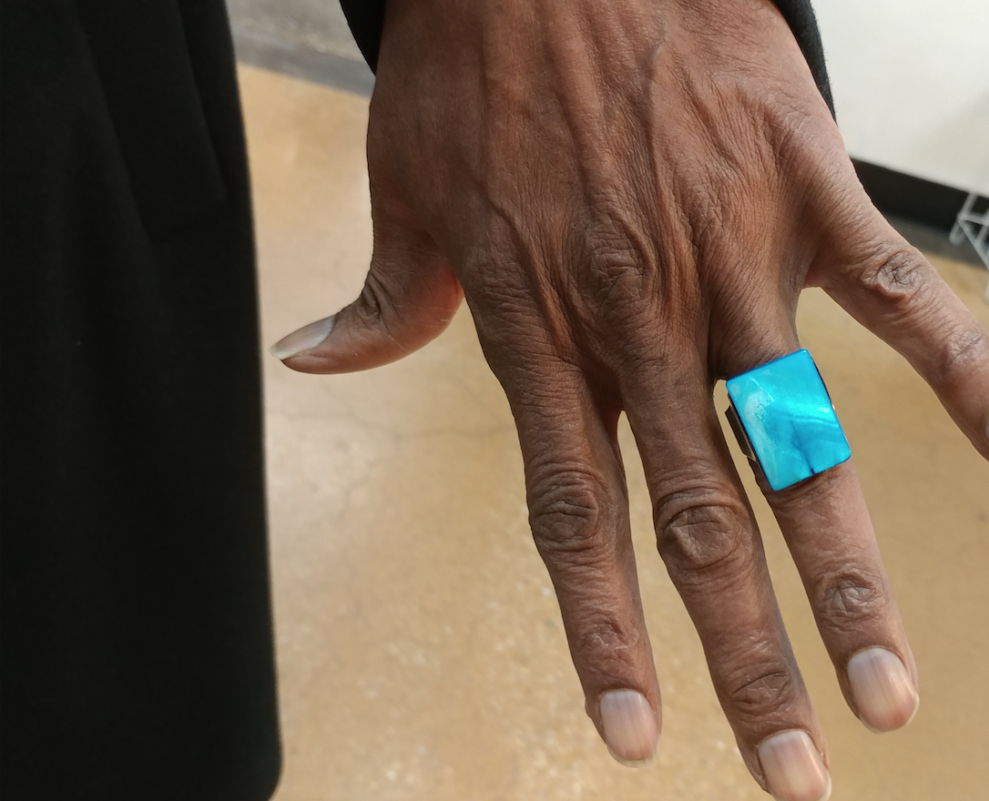 MEN'S RING WITH MOTHER-OF-PEARL